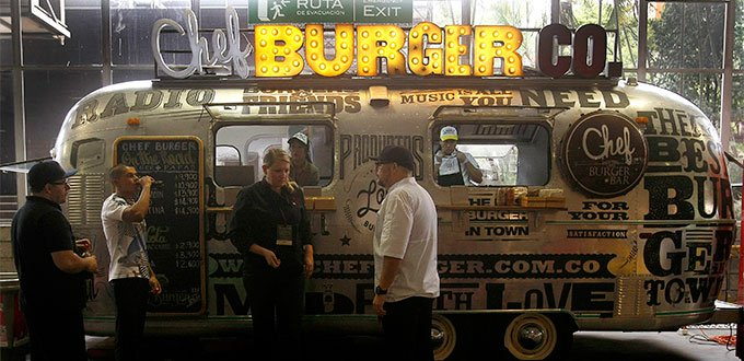 Medellin LIfestyle Chef Burger Food Truck in Ciudad Del Rio