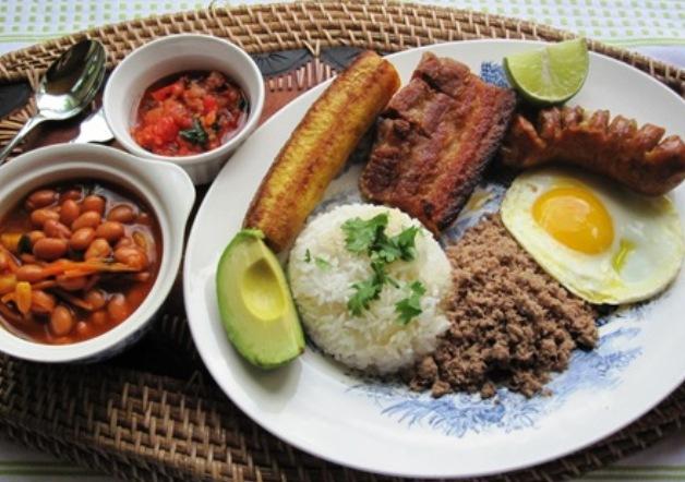 Medellin LIfestyle Food bandeja paisa