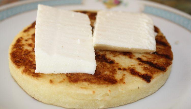 Medellin Lifestyle Breakfast Arepas con queso