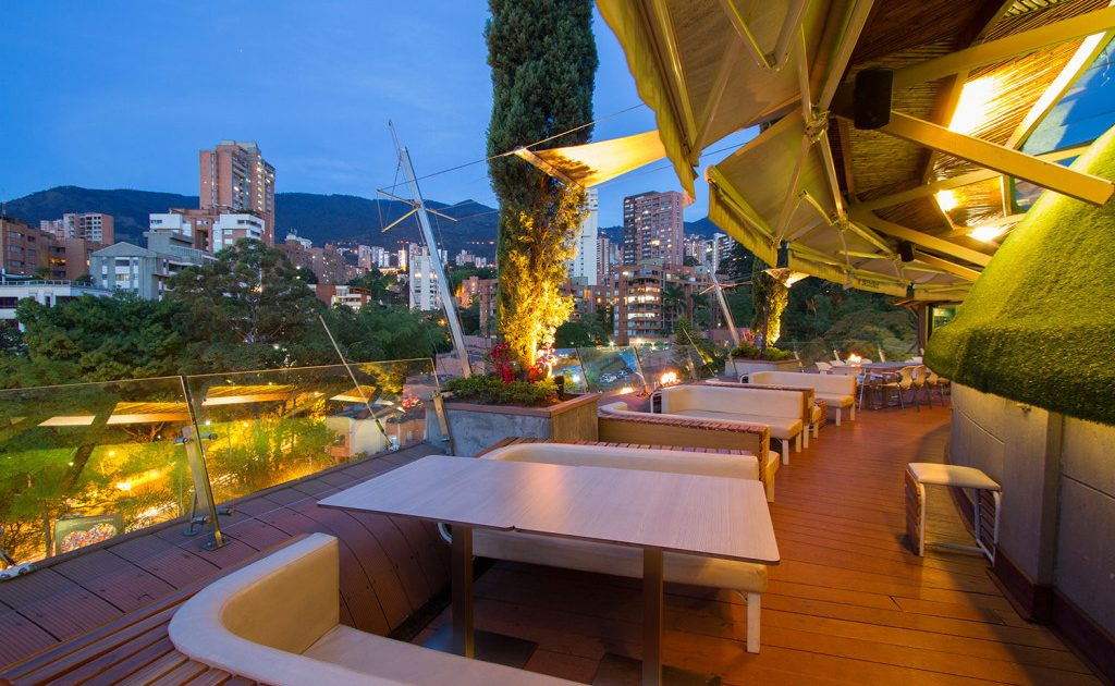 Medellin Lifestyle Great Date Spots Delaire Sky Lounge