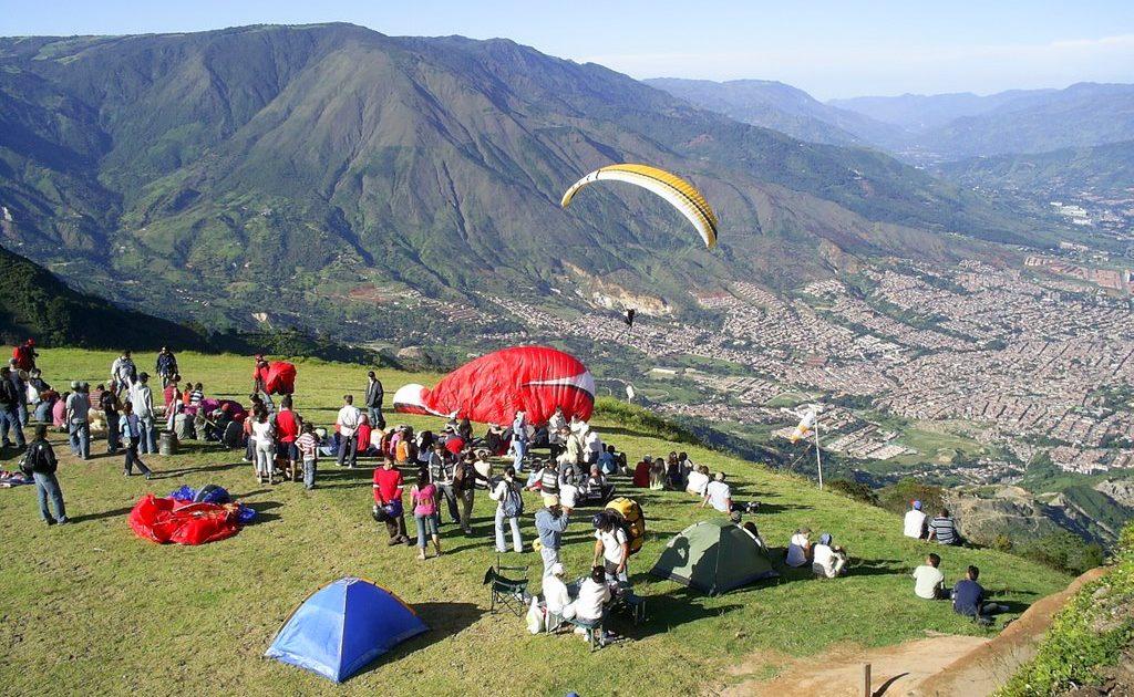 Medellin Lifestyle Great Date Spots San Felix Paragliding