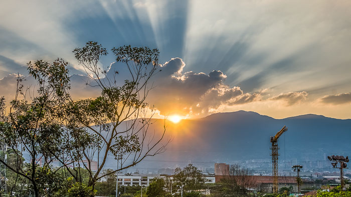 How to Retire in Medellin Cheaply and Easily